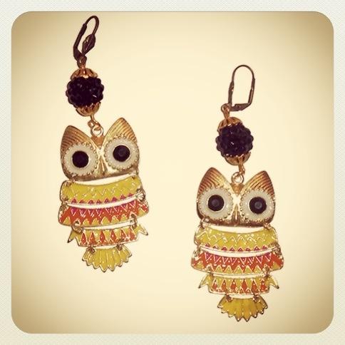Aros Buhito  #earrings #mode #fashion #accesories #accessories #jewelry #look #fashionaccessories #luxjewelry #shine #black #gold #style #owl