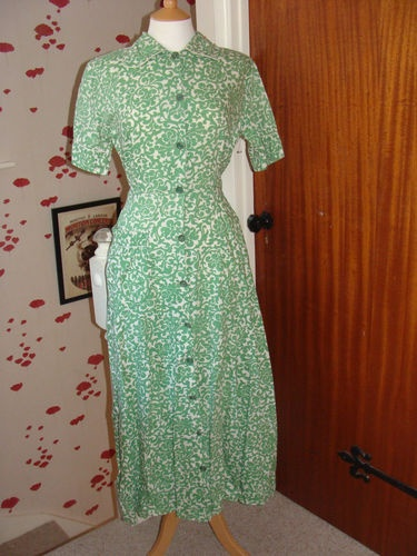 Vintage Green St Micheal 1940's Utility CC41 Ladies Day Dress/ Over Coat