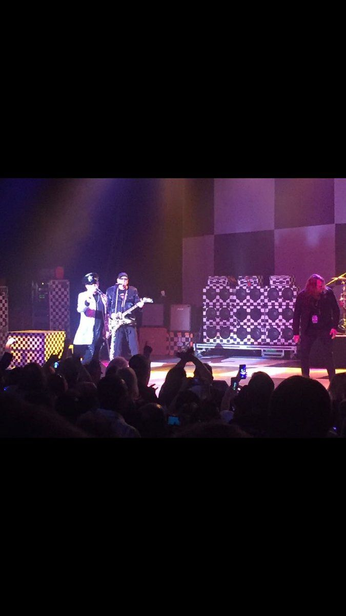 Thank you @cheaptrick @CheapTrickRick last night was awesome much love ❤️⚡️