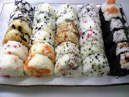 Онигири — японские рисовые колобки