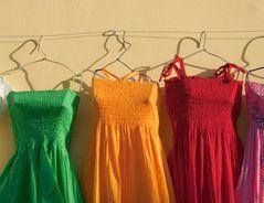 Einfache sommerliche Kleider können Sie sich in etwas weniger als einer Stunde selbst nähen. Sie brauchen für diese sommerlichen Kleider keinen...