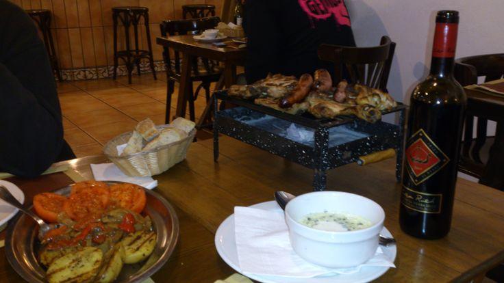 Le restaurant #Can_Caus après #Santa_Gertrudis ! Vous ne finirez pas l'assiette mais vous pourrez l'emporter ! #Grill #Barbecue