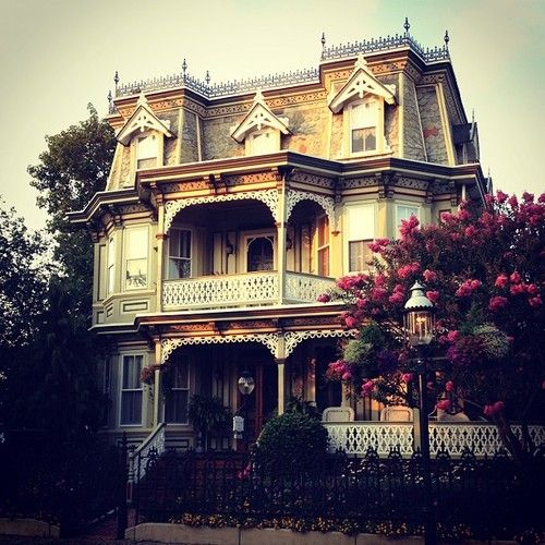 1000 Ideas About Old Victorian Houses On Pinterest Victorian Houses