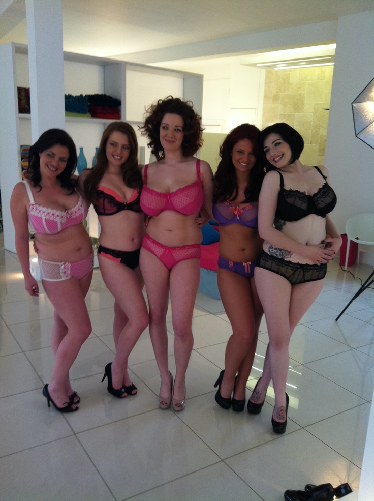 Beautiful Curvy Girls Behind The Scenes Pinterest