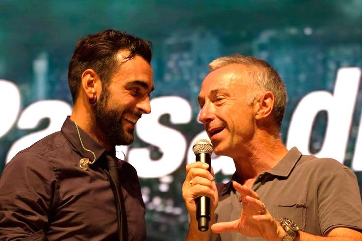 Marco Mengoni e Linus on stage