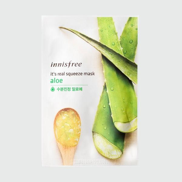 The aloe version of It's Real Squeeze Masks are made of artificial silk for top notch fit and saturated in a aloe based essence known for its soothing propertie