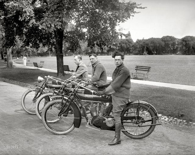 Мото-команда, Вашингтон, июль 1915 года.