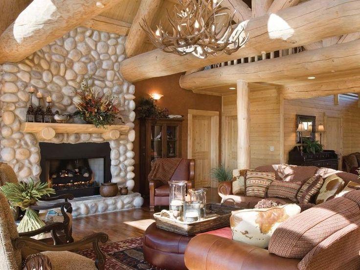Фото гостиной с камином в доме из дерева
