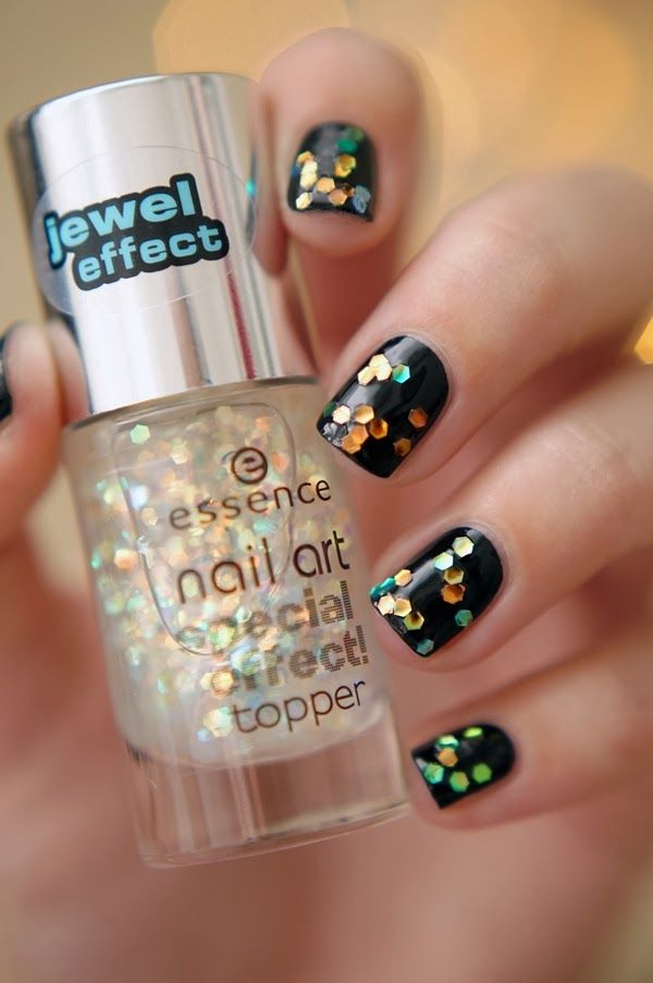 Essence Nail Art Special Effect Toppers | New! ~ Beautyill | Beautyblog met nail art, nagellak, make-up reviews en meer!