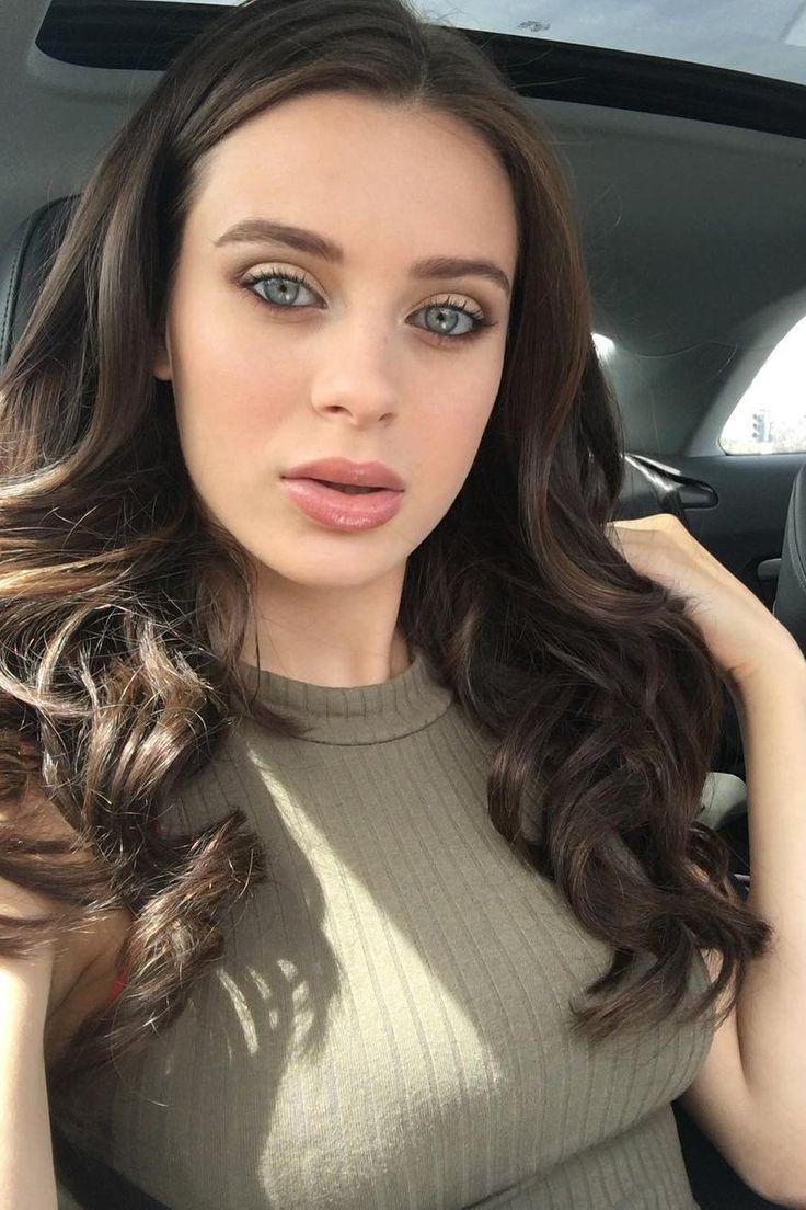 Lana rhoades curly hair