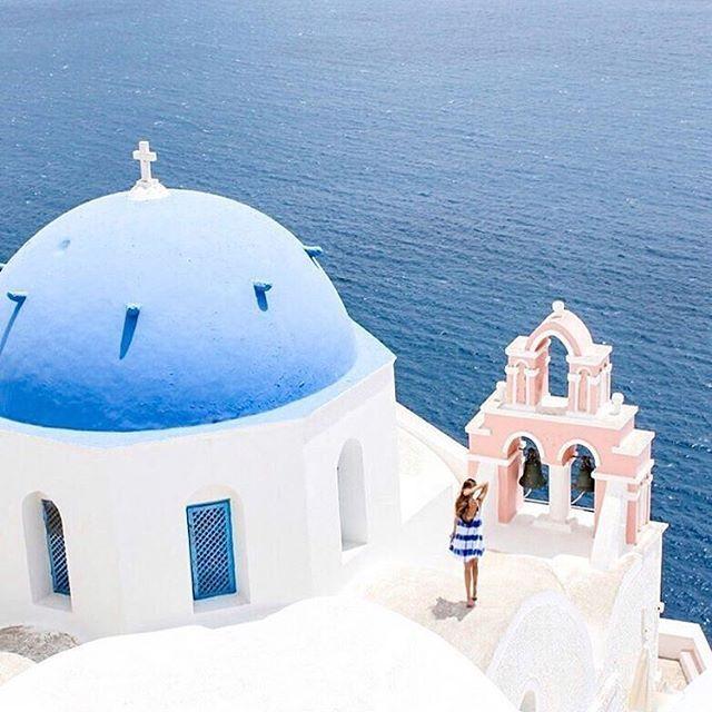 ✴Santorini, Cyclades, Greece... Photo from @lucyinthesskyy! ➖➖➖➖➖➖➖➖➖➖➖➖➖ #Santorini #caldera #thira #santorinigreece #santoriniisland #cyclades #cyclades_islands #greekislands #aegean #aegeansea #greece #greek #ig_greece #instagreece