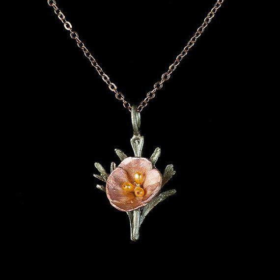 Délicat collier fleur pavot de Californie par AndromedaFashion