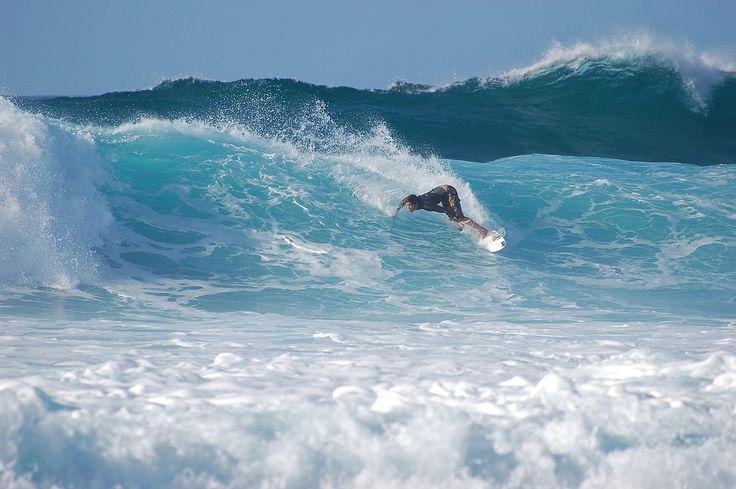 Surfer at Banzai Pipeline, North Shore (Oahu) - Hawaï — Wikipédia