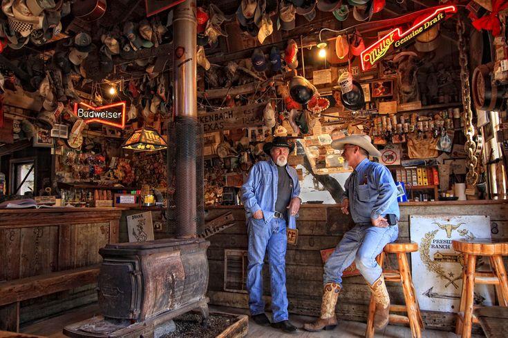 # Luckenbach, TexasCowboy Bar (marc-photo.com)