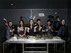 Bones es una serie de televisión estadounidense que está inspirada en la vida real de la antropóloga forense y escritora de éxito Kathy Reichs (2005-Actualidad)