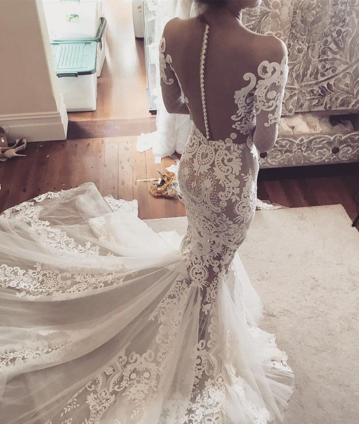 Leah Da Gloria fit and flare wedding dress - Mermaid gowns have a timeless trendiness, and we are showcasing an even more niche trend