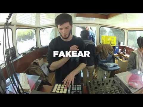 Fakear • Nowadays Takeover • LeMellotron.com - YouTube