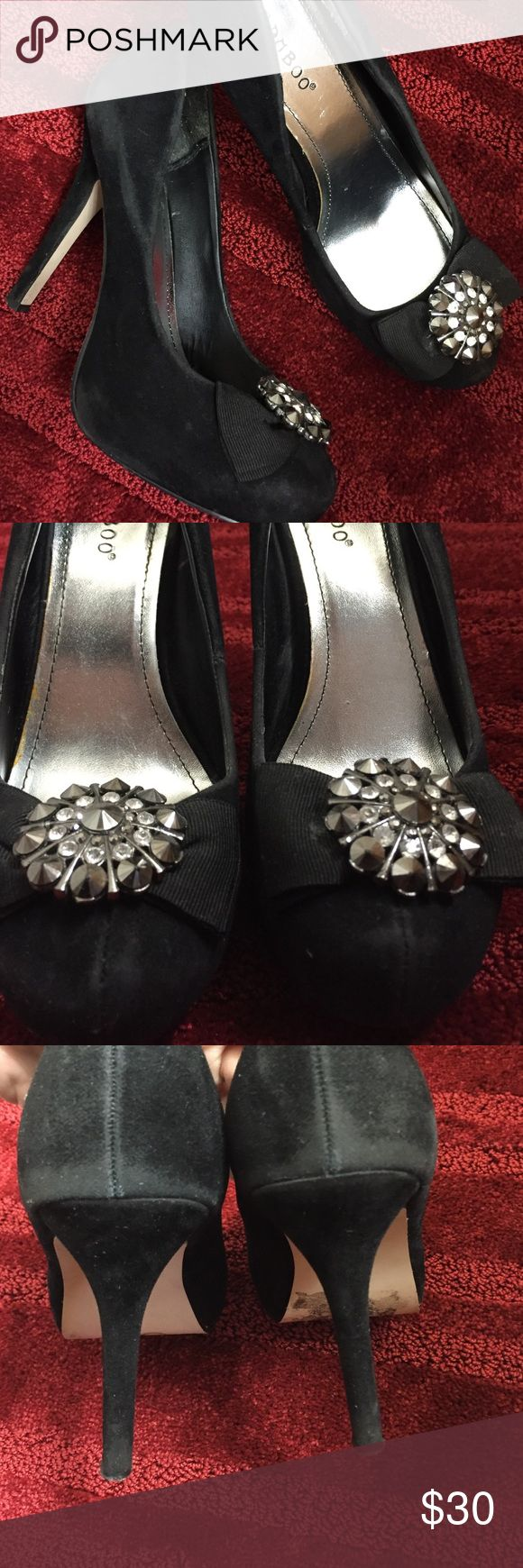 Bamboo Heels Super cute Diamond bow heels! Worn with love! Very comfortable Bamboo Shoes Heels