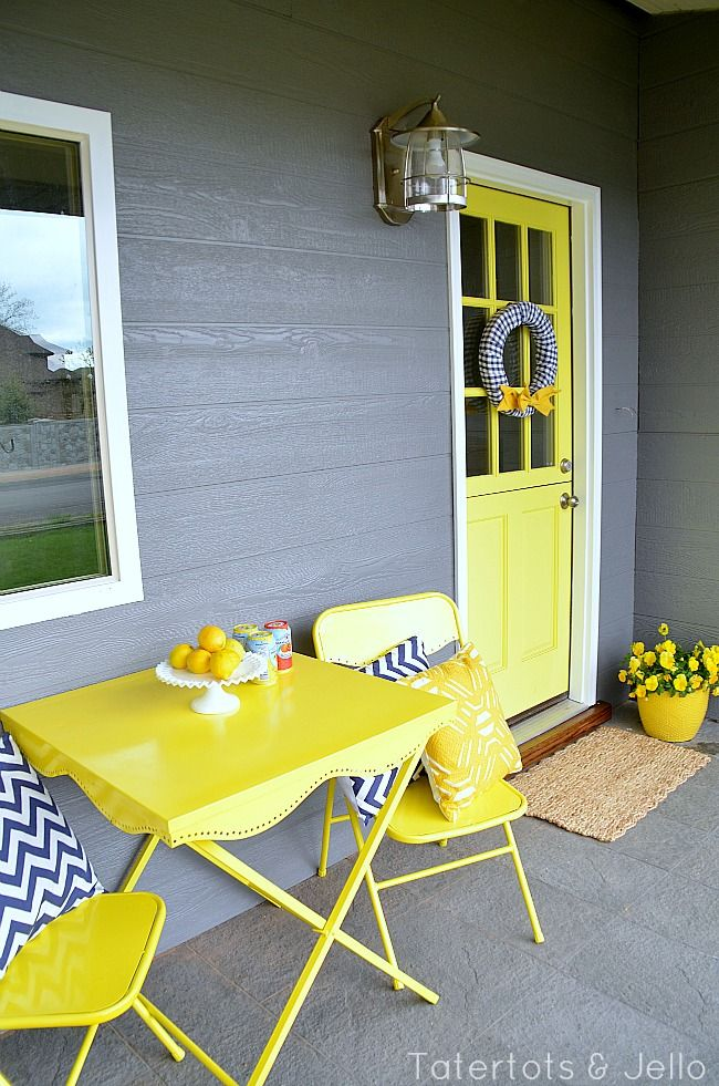 Fun cottage #porch from www.tatertotsandjello.com - love the colors!