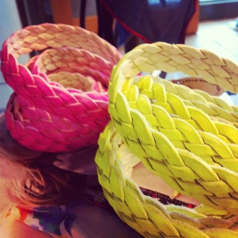 Neon belts!: Outstand Outfits, Neon Accessories, Mama Stores, Skinny Neon, Grethen Houses, Neon Belts, Spring 2012, Sagging Zone