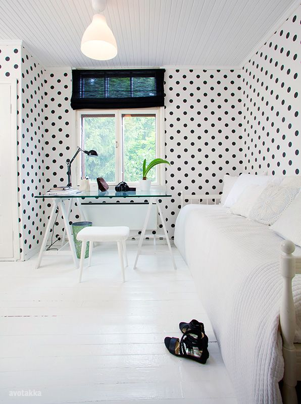 home-office-with-polka-dots-wallpaper
