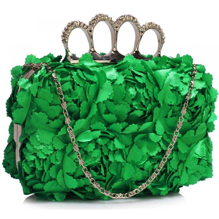 Velikost 16 cm (Š) a 10 cm (V). Zelená barva. Dlouhý řetízek.