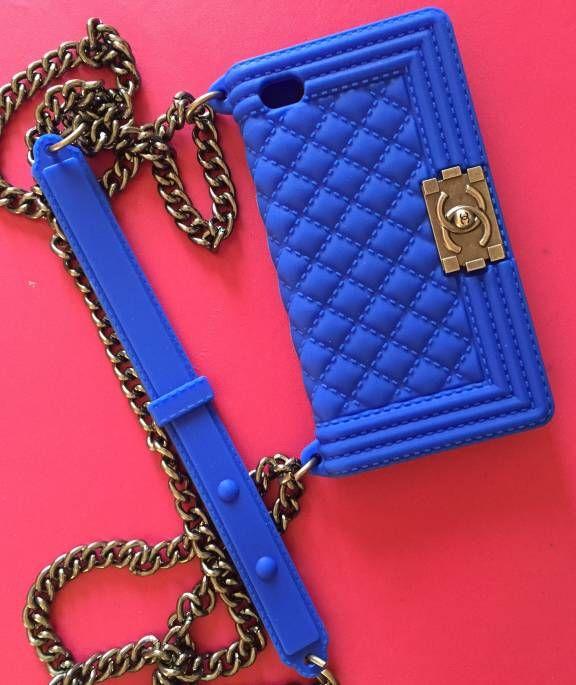 Capinha Bolsa Chanel Boy nova para iphone 4 e 4S.. Código: 13455471