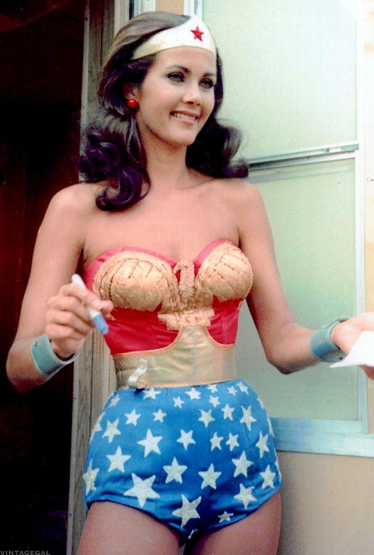 Man in wonder woman costume-7420
