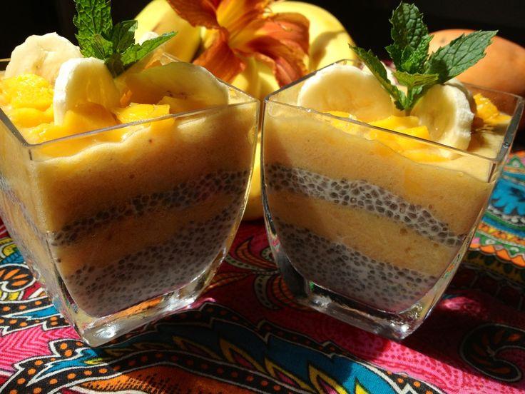 Chia Seeds and mango dessert - deser z nasion szalwii hiszpańskiej i mango