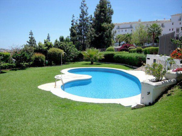 17 best ideas about kidney shaped pool on pinterest for Kidney shaped pool designs