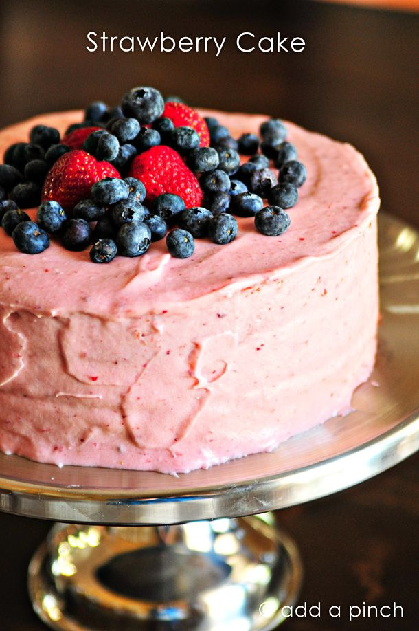 Strawberry Cake via @addapinch | Robyn Stone: Strawberry Cakes, Cakes Mixed, Desserts, Grandmothers Verdi, Robyn Stones, Frozen Strawberries, Verdi Strawberries, White Cakes, Strawberries Cakes Recipes