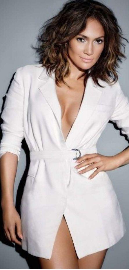 Jennifer Lopez in Amanda Wakeley