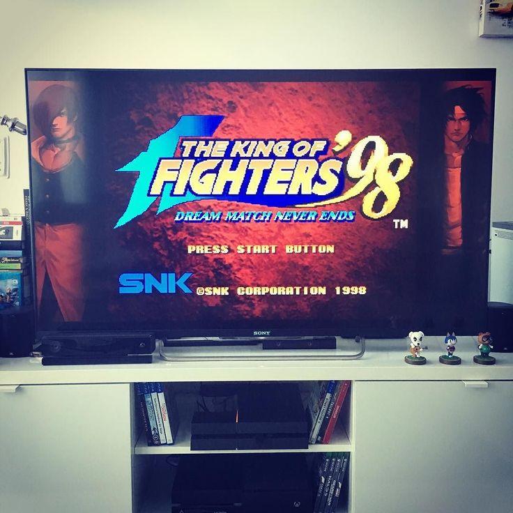Shared by heart_gamer77 #neogeo #microhobbit (o) http://ift.tt/1qzvQVX pude resistirme. Poder jugar a #kof98 en #xboxone ya es una realidad. Uno de los grandes de  y sin duda el mejor King of Fighters de la historia. #snk #kingoffighters98 #xboxlive