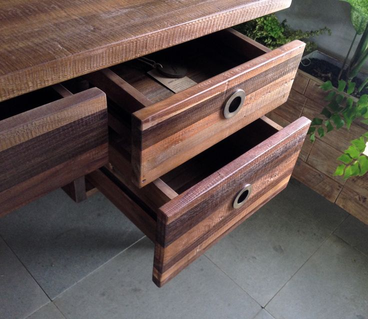 Drawers solid wood detail. Mix solid wood with french touch finishing.