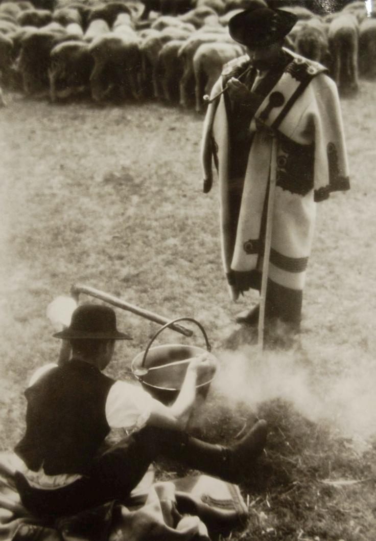 Ferenc Aszmann: Bográcsgulyás, Hortobágy 1937., Hungary