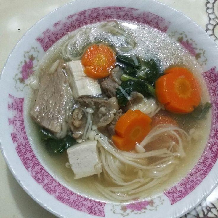 Sup jamur enoki