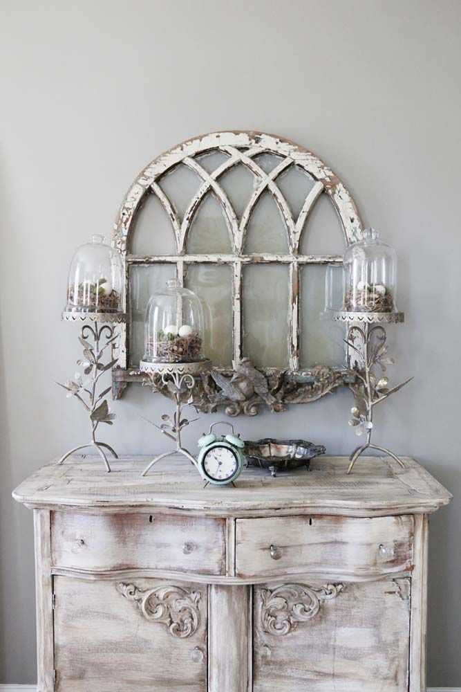 I can see this with CeCe Caldwell's Vintage White or Simply White with a Virginia Chestnut glaze.