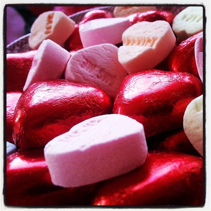 #anderskijken #donkeredagen #rood mijn passie voor jouw huid!