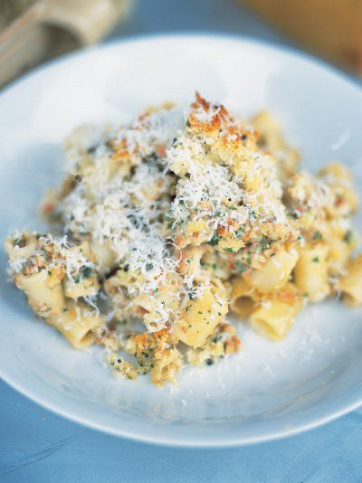 A quick and easy twist on the classic macoroni cheese recipe with tomato, basil…