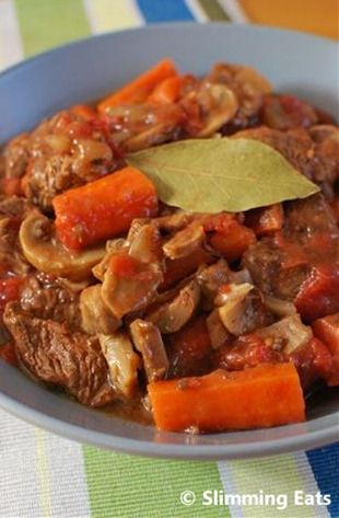Beef and Vegetable Casserole | Slimming Eats - Slimming World Recipes (made a big batch of this today and OH asked what I had done with it as it was really nice for a change-cheeky!)