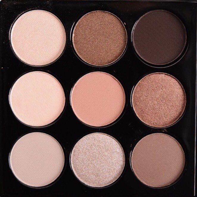 MAC MACnificent me eyeshadow palette