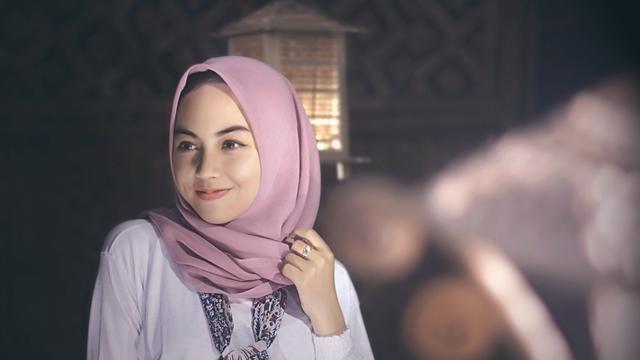 Tutorial Hijab Segi Empat Satin Menutup Dada Hijab Tutorial Tutorial Hijab Segi Empat Hijab Segi Empat Simple