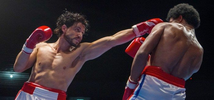 'Hands of Stone' Red Band Trailer: This Boxing Drama Apparently Has A Lot of Sex http://best-fotofilm.blogspot.com/2016/08/hands-of-stone-red-band-trailer-this.html  Just like last year brought us both Southpaw and Creed, this year we get two more boxing dramas. However, while last year's stories set in the ring were entirely fictional, this year we get two non-fiction boxing movie. Bleed for This starring Miles Teller won't arrive until November (watch the trailer here), but the other is…