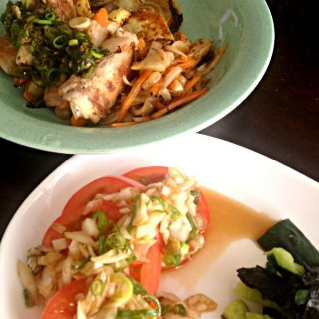実家のごはんはマクロビではありません。 が、買ってきたものより手作りのものと思うので、  ▪白米 ▪大根のお味噌汁 ▪豚肉の野菜巻 ▪人参のきんぴら ▪じゃがいもと玉ねぎのステーキ ▪トマトの薬味ソース ▪キュウリの海苔和え - 23件のもぐもぐ - ふつうに晩御飯 by madokamorita