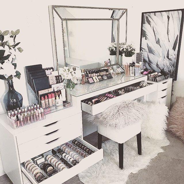 Image Result For Makeup Room Inspo In 2020 Makeup Room Design