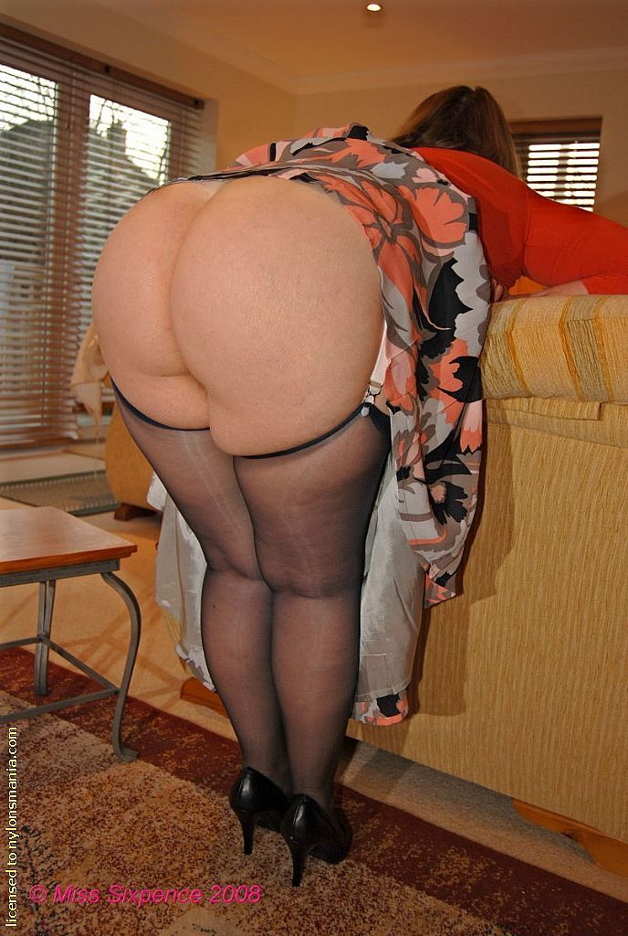 Best mums bum images on pinterest fine wine girls and sexy hips