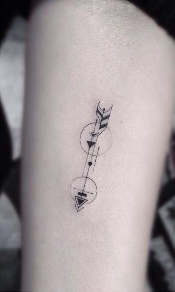Arrow tattoo -- but perhaps with a paddle? or surfboard somehow???
