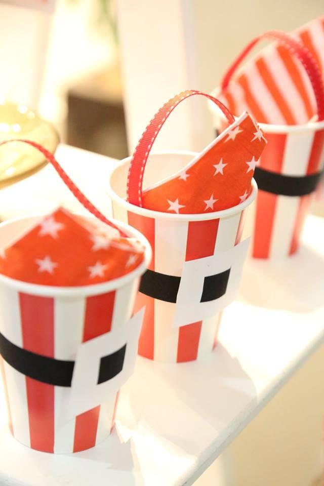 Copos de papel vermelho #lembrancinhas #natal #ideias #decoração #festa #xmas #christmas #diy #tutoriais #favors #decor