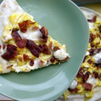 The Growing Foodie: Brilliant Brunch: Pita Breakfast Pizza
