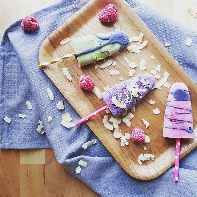 Vegan popsicles! Three different flavors, matcha with kiwi, blueberry and raspberry.   #popsicles #icecream #vegan #veganicecream #iceblocks #summertreat #vegan #delicious #dessert #veganfoodshare #bestofvegan #gloobyfood #kiwi #foodgasm #foodie #rawchocolate #raspberry #blueberry #coconut #matcha #healthy #fitfood #nosugar #jäätelö #jäätelöpuikot #vegaani #raakasuklaa